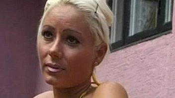 Dansk Pornofilm Pige Viser Fissen Frem